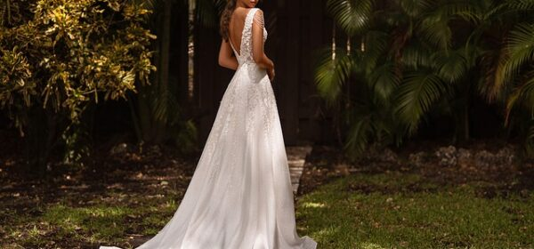 Choosing The Right Style Of Wedding Dresses For Your Figure