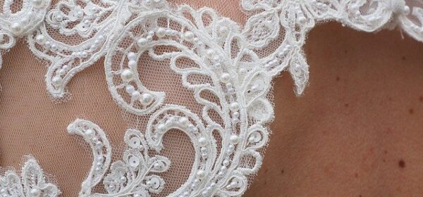 Which Type of Lace Wedding Gown Should I Choose?          3 Simple Suggestions.