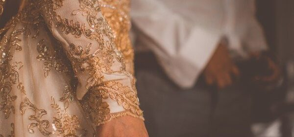 Wedding Gown Shopping Tips – How to Save Money When Shopping For Your Wedding Gown